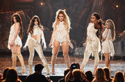 Fifth-harmony-perform-amas-2016-billboard-1548
