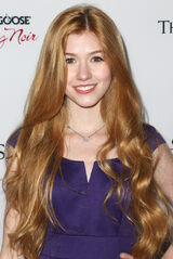 Katherine+McNamara+Premiere+Summit+Entertainment+VEtDuBlal1Vx-1-
