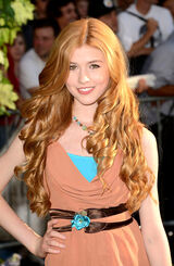 Katherine McNamara The Odd Life of Timothy Green Red Carpet 2-1-