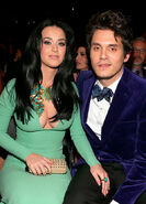 John-mayer-using-break-up-song-to-win-katy-perry-back-hes-been-bombarding-her-with-calls-gifts-ftr