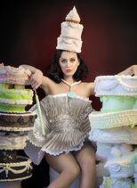 Katy-perry-at-teenage-dream-shoot- 1