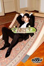 Renjun (We Boom) 1