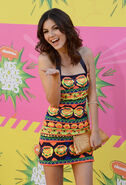 Victoria-Justice---2013-Kids-Choice-Awards--16