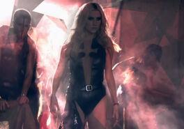 Kesha-die-young-video