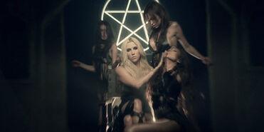 Kesha-Occult-Superstar-Satanic-Music-Industry-Agenda