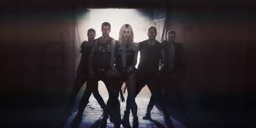 Kesha-die-young-portable-5