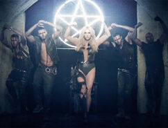 Kesha-die-young-8