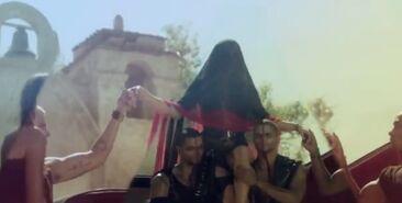 IlluminatiWatcherDotCom-Kesha-DY5