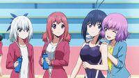 Hanabi supporting Nozomi