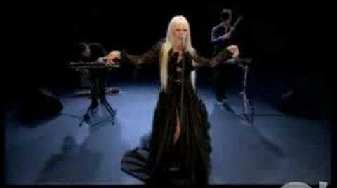 Kerli - Walking on Air (Live at Yahoo's Who's Next)
