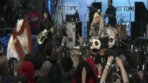 Kerli - Tea Party (Live at Alice In Wonderland Ultimate Fan Event)