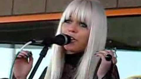 Kerli - Butterfly Cry (Live at 101.9 The End)
