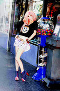 Audrey Kitching Tokyolux Hollywoodland Kerli 32