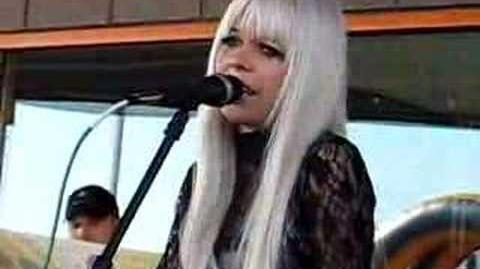 Kerli - Bulletproof (Live at 101