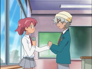 Ep09-Natsumi&Saburo-HandsTogether
