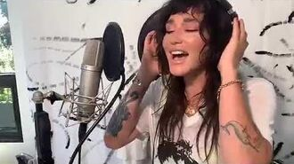 Kesha - Little Bit Of Love (Acoustic Live)