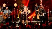 Old Crow Medicine Show, Kesha - Wagon Wheel (CMT Crossroads) (audio)