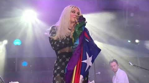 Kesha - Right Round Good Old Days Till the World Ends (Live on the Cruise)