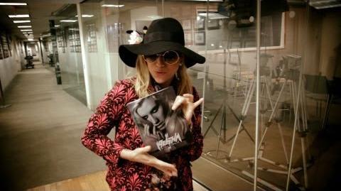 Ke$ha Gets a Copy of her Book
