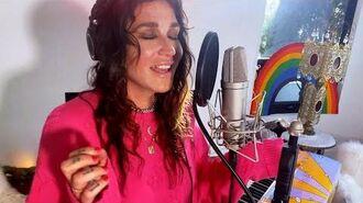 Kesha Performs 'A Little Bit of Love'
