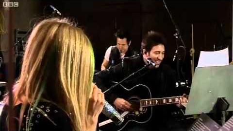 Avril Lavigne - Tik Tok (Ke$ha cover) (BBC1 Radio Live Lounge)