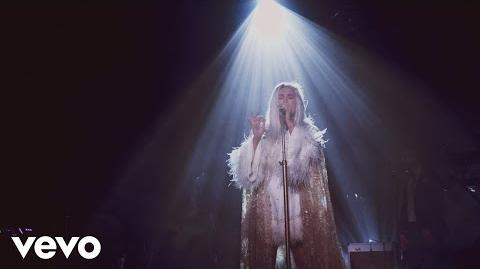 Kesha - Praying (Live from Honda Stage at Hollywood Palladium)