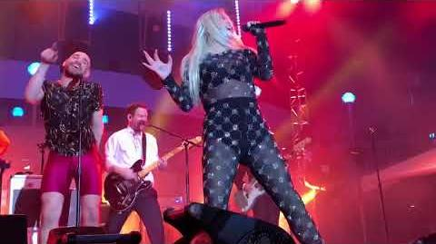 Kesha - Dirty Love (Live on the Cruise)