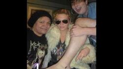 KE$HA TATTOOS A FAN