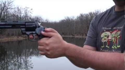 Como empuñar un Revolver, como NO disparar un revolver