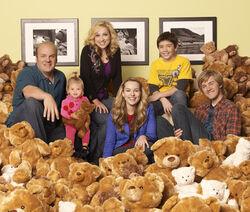Good Luck Charlie cast