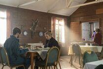 3x05-9 Villanelle Pyotr lunch