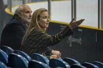 3x06-22 Villanelle Konstantin ice hockey