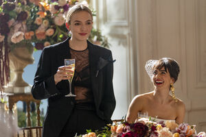 3x01-10 Villanelle Maria wedding speech