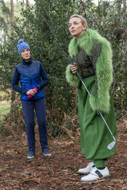 3x07-15 Dasha Villanelle golf