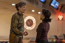 3x06-16 Dasha Eve bowling confrontation
