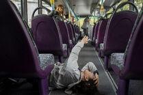 3x03-19 Eve bus hurt headbutt