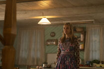 3x05-32 Villanelle is told to leave