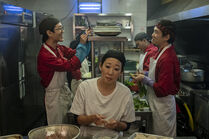 3x01-38 Eve restaurant kitchen