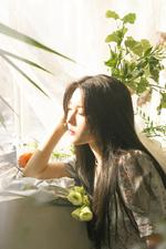 Min Seyoung chwihyangpeulleiliseuteu (bam dosi) 1 promotional photo (4)