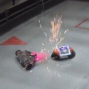 Neon vs Mini ACE Q5