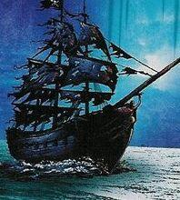Czarny statek