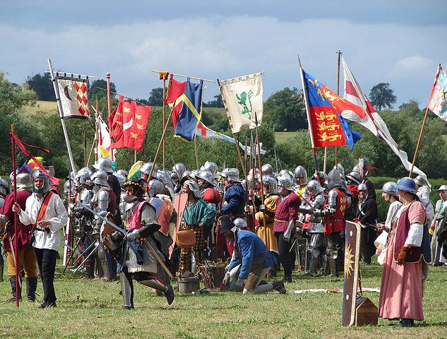 633px-Battle of Tewkesbury reenactment - pre-clash preparation