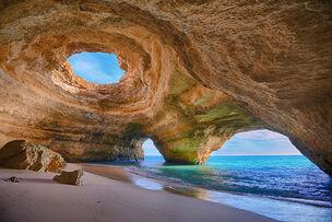 Amazing-caves-9-1