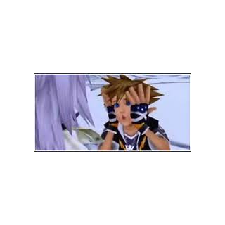 Sora haciendo gestos graciosos a <a href=
