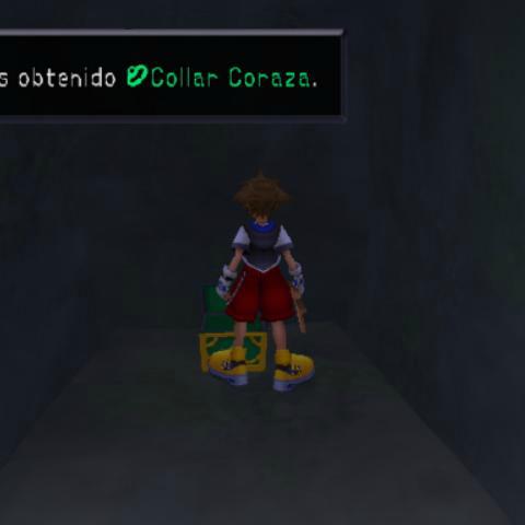 Sora obteniendo el Collar Coraza en un cofre en las Islas del Destino.