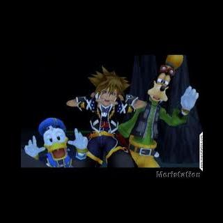Sora y sus amigos haciendo expresiones raras con su cara.
