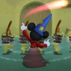 Mickey hechizando escobas en la <a href=