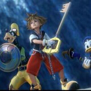 Goofy, Sora y Donald portando sus armas en el Openning de Kingdom Hearts II.