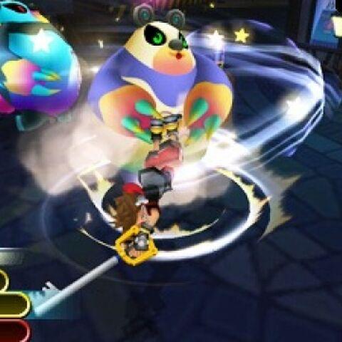 Sora haciendo el ataque combinado con Apandador