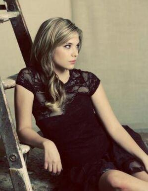 Ashley-Benson-Troix-magazine-pretty-little-liars-20632928-330-425